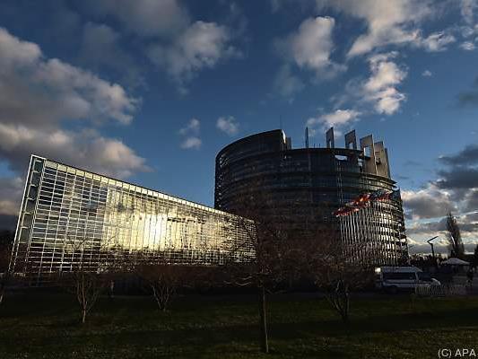 7.500 Jugendliche trafen sich im EU-Parlament