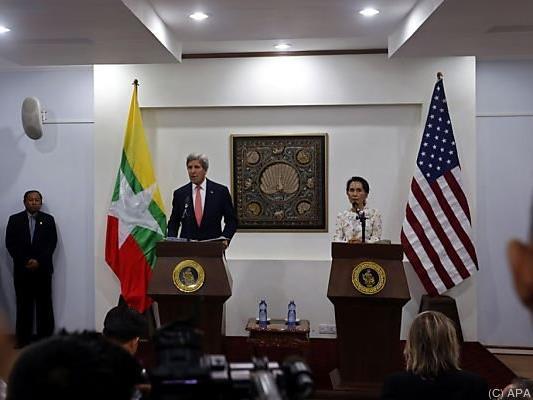 Kerry zu Besuch in Myanmar