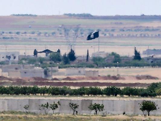 IS drang in Rebellengebiet vor