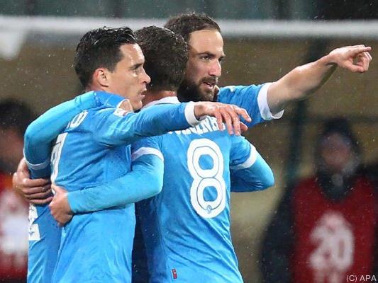 Jubel bei Napoli nach Sieg gegen Bergamo