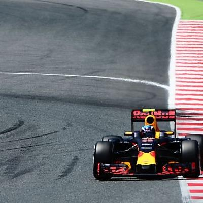 Verstappen siegte gleich bei Debüt für Red Bull