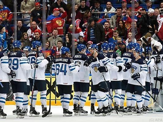 Jubel bei den Finnen nach dem Sieg über Russland
