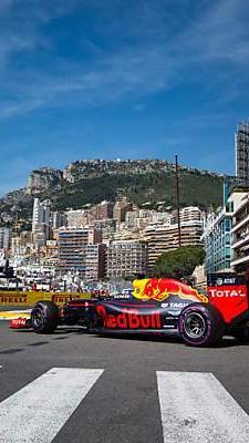 Red-Bull-Pilot setzte sich vor Nico Rosberg und Lewis Hamilton durch