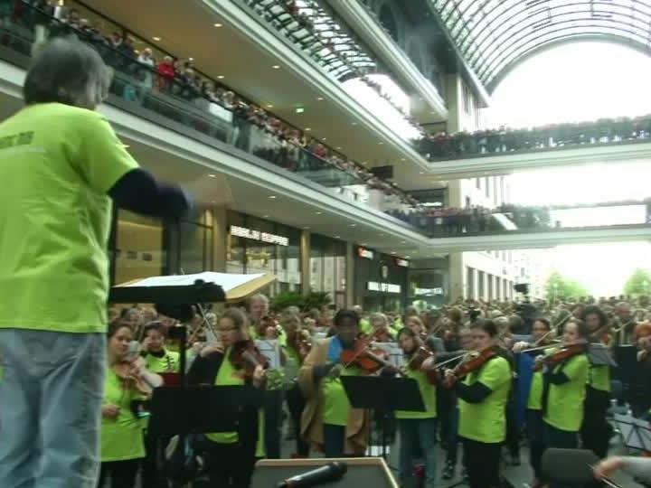 Rund 1.000 Musiker spielten gemeinsam bei dem Symphonic Mob.