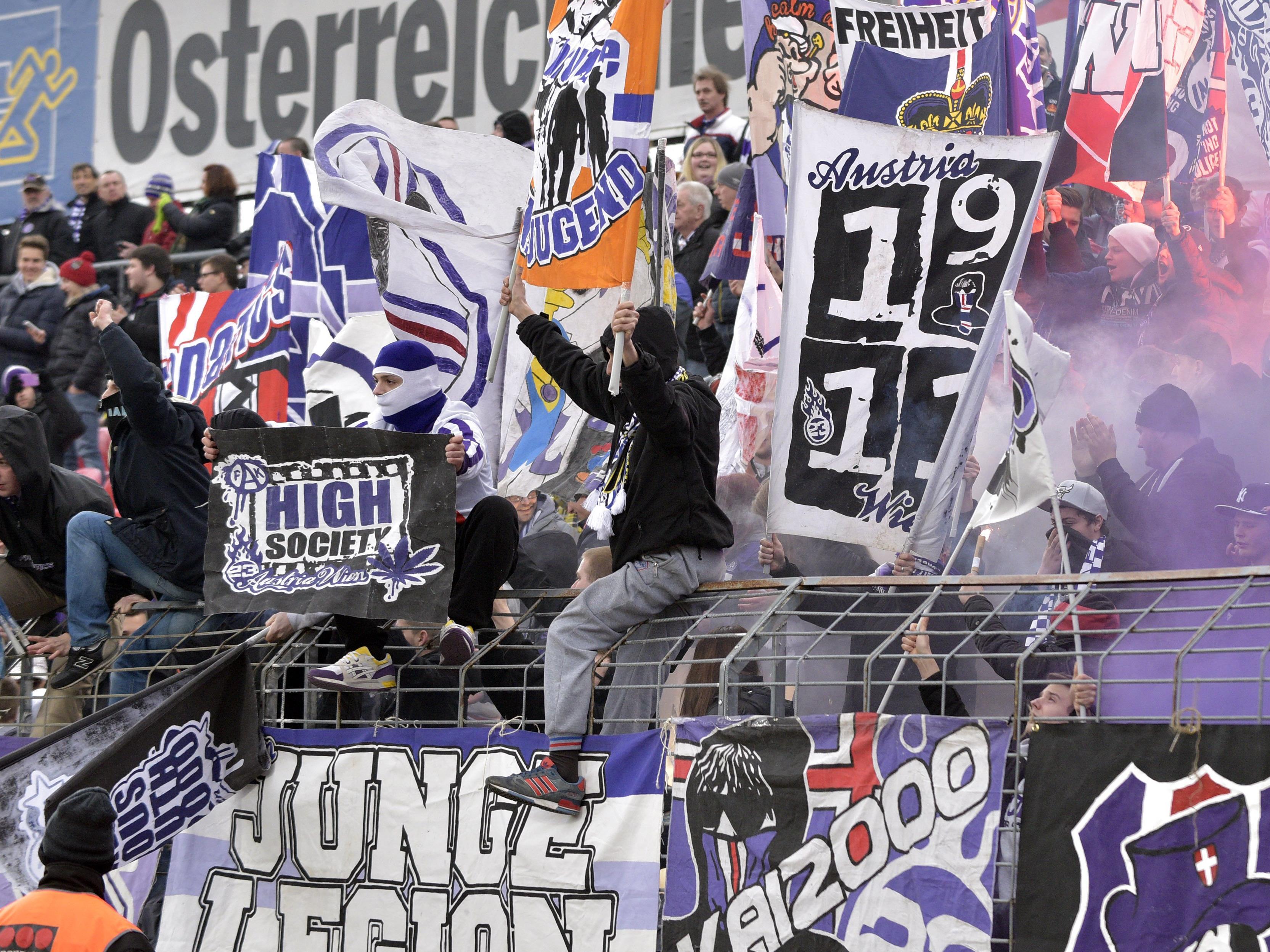 Austria Wien verlängerte mit drei Spielern die Verträge.