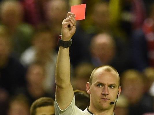 Diese neuen Regeln gelten ab nun im Fußball.