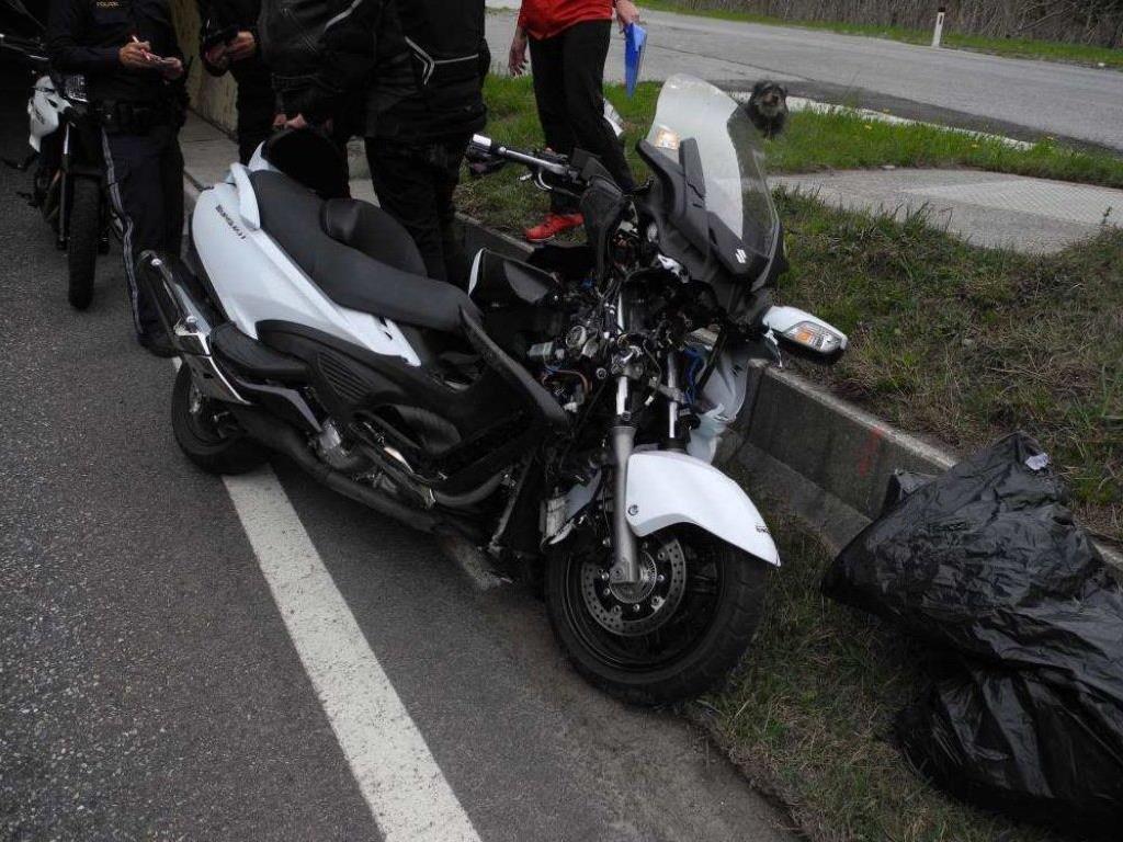 Motorradunfall in Klösterle fordert zwei Verletzte.
