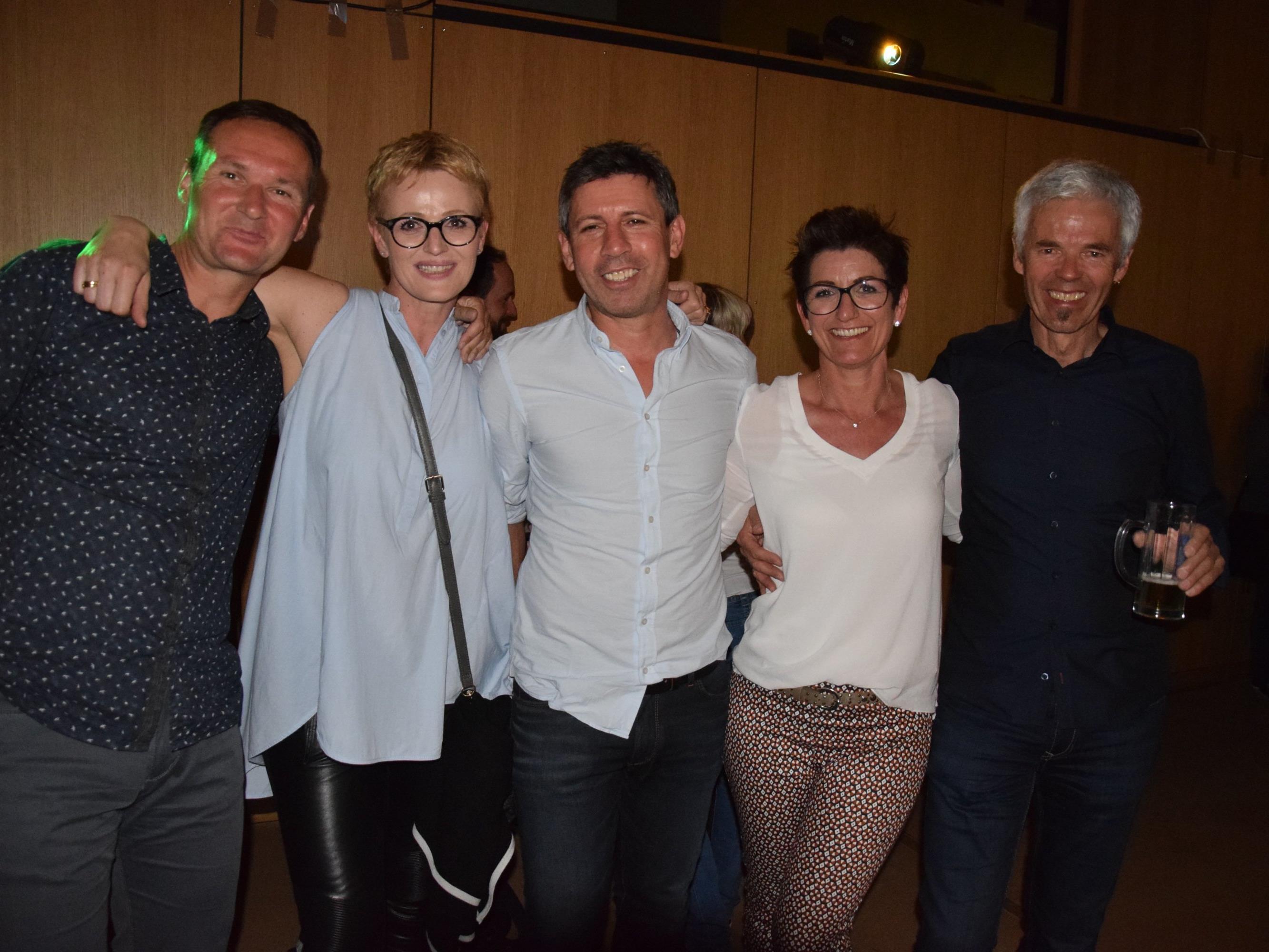 v.l. auch Werner, Verena, Helmut, Daniela und Erich hatten Spaß bei der Ü39 Party