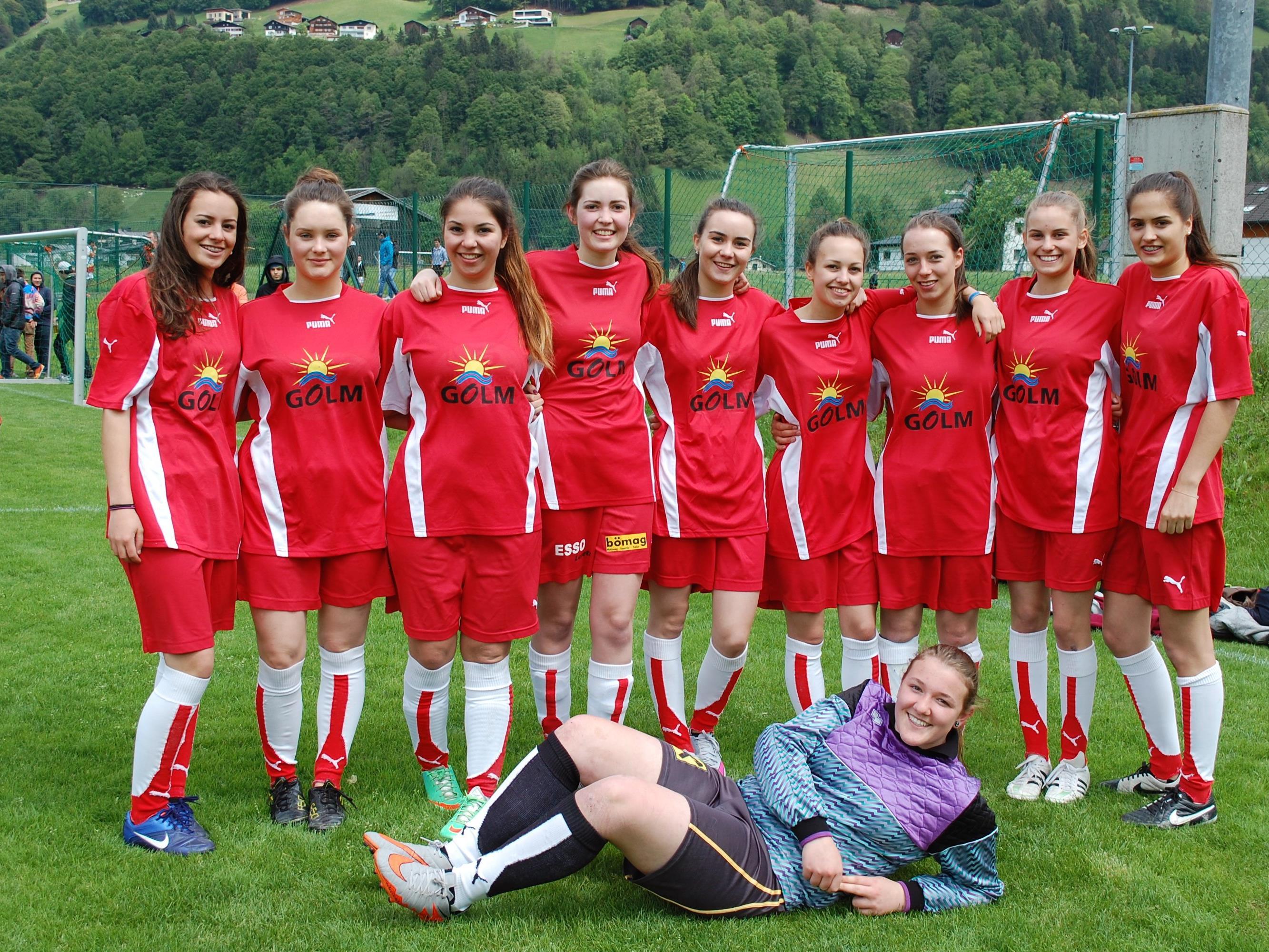 Die Damenmannschaften zeigten vollen Kampfeinsatz auf dem Platz.