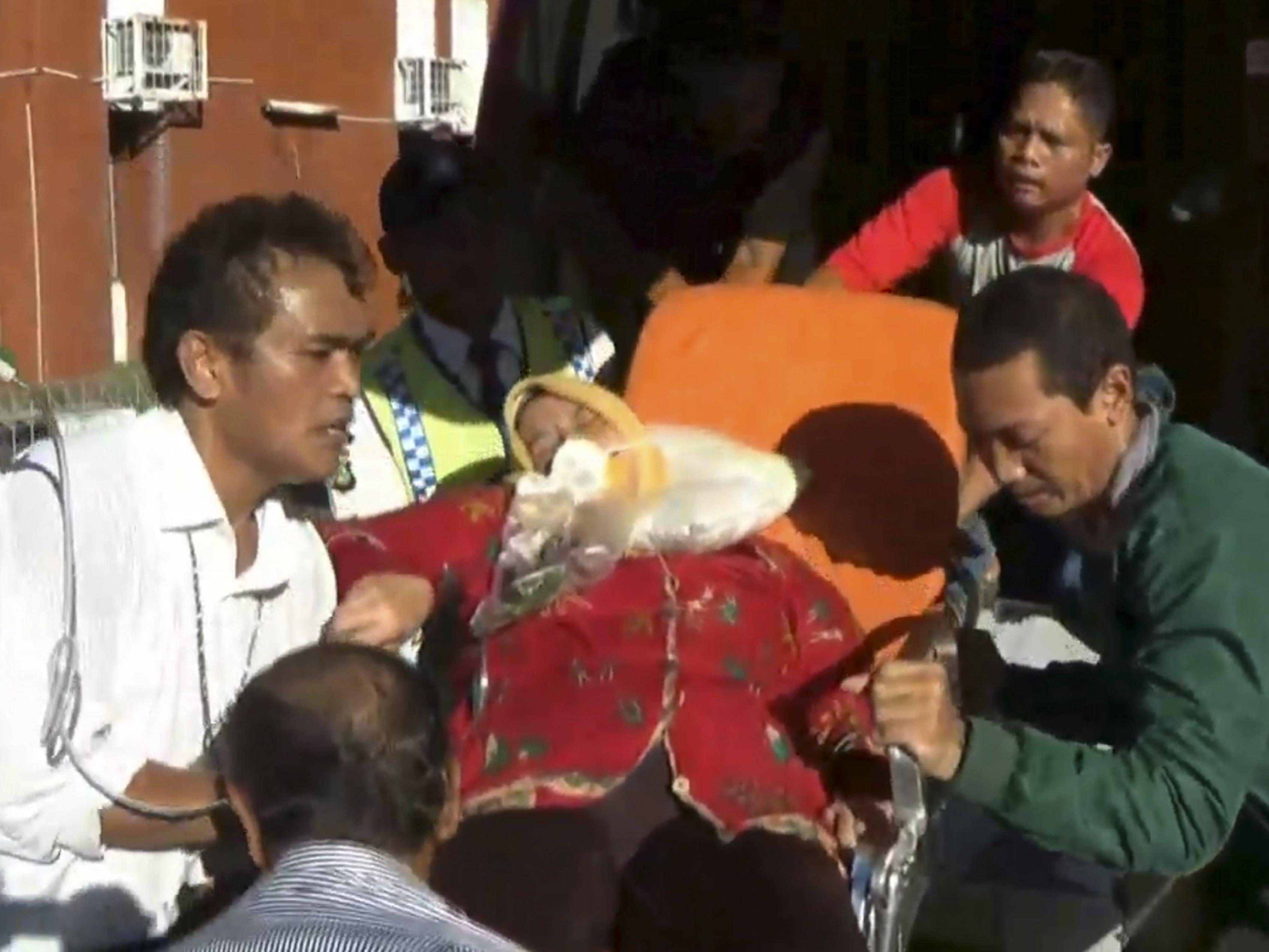 Schwerverletzte bei Horror-Flug nach Indonesien.