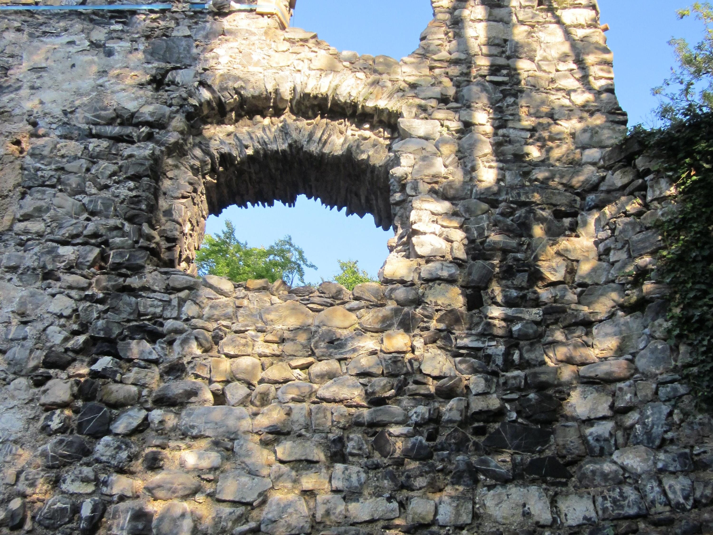 Ruine Blumenegg und was noch vorhanden ist