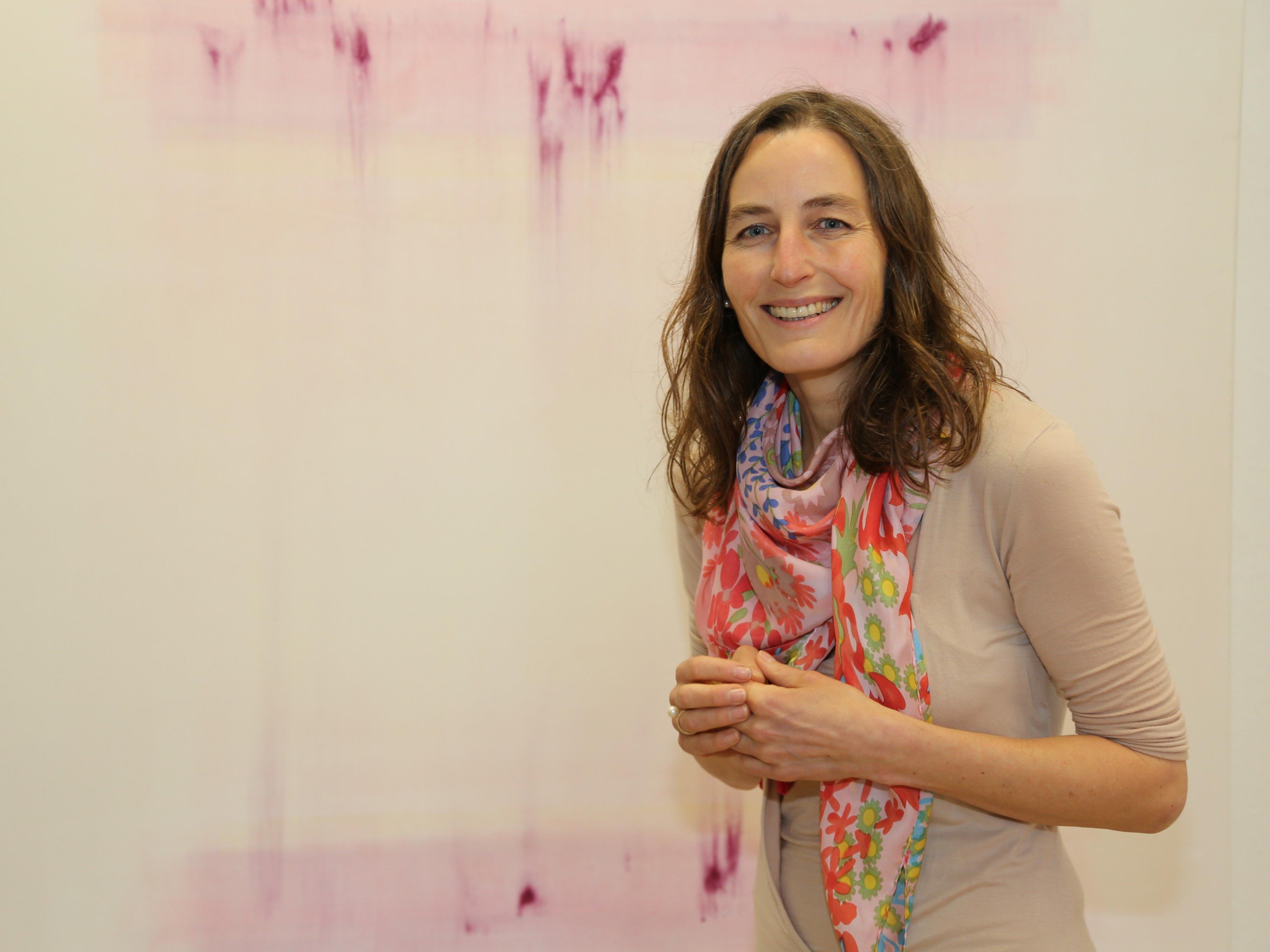 """Margit Hartnagel stellt ihre neuen Werke unter dem Titel """"Alles ist Nirgendwo"""" in der Villa Claudia aus."""