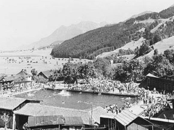 Ein Bild aus längst vergangenen Tagen: Das Schwimmbad Felsenau ist das älteste seiner Art im ganzen Land.