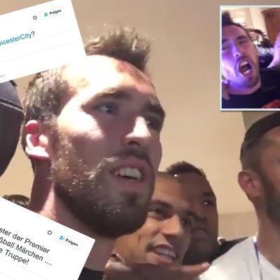 Hier feiern die Spieler von Leicester City die Meisterschaft.