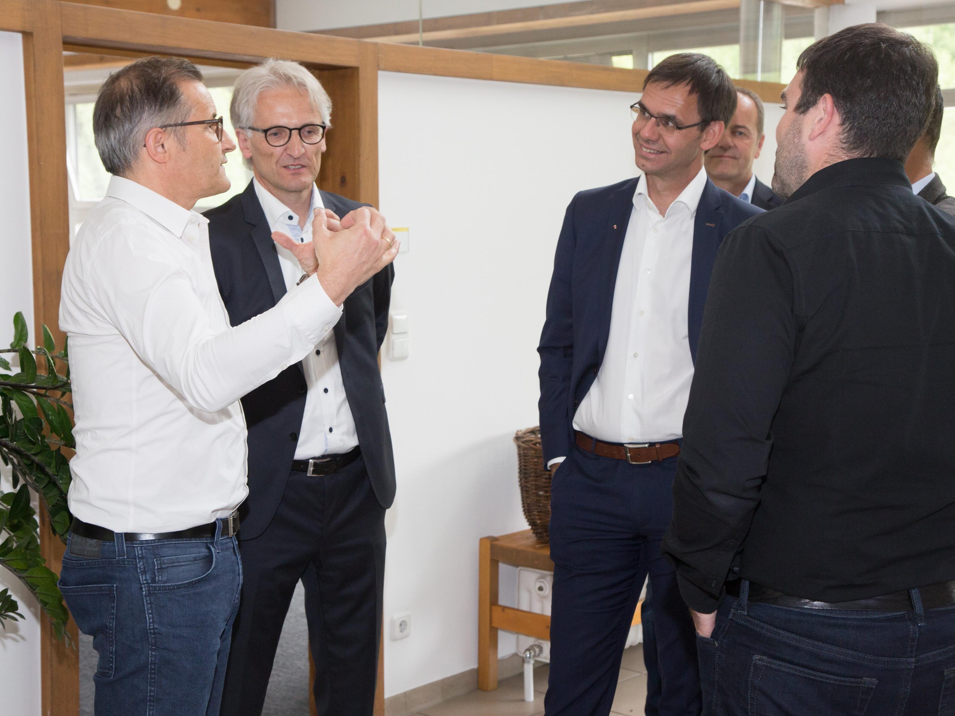 Betriebsbesuch mit Bürgermeister Paul Sutterlüty bei der Dorner Electronic GmbH in Egg