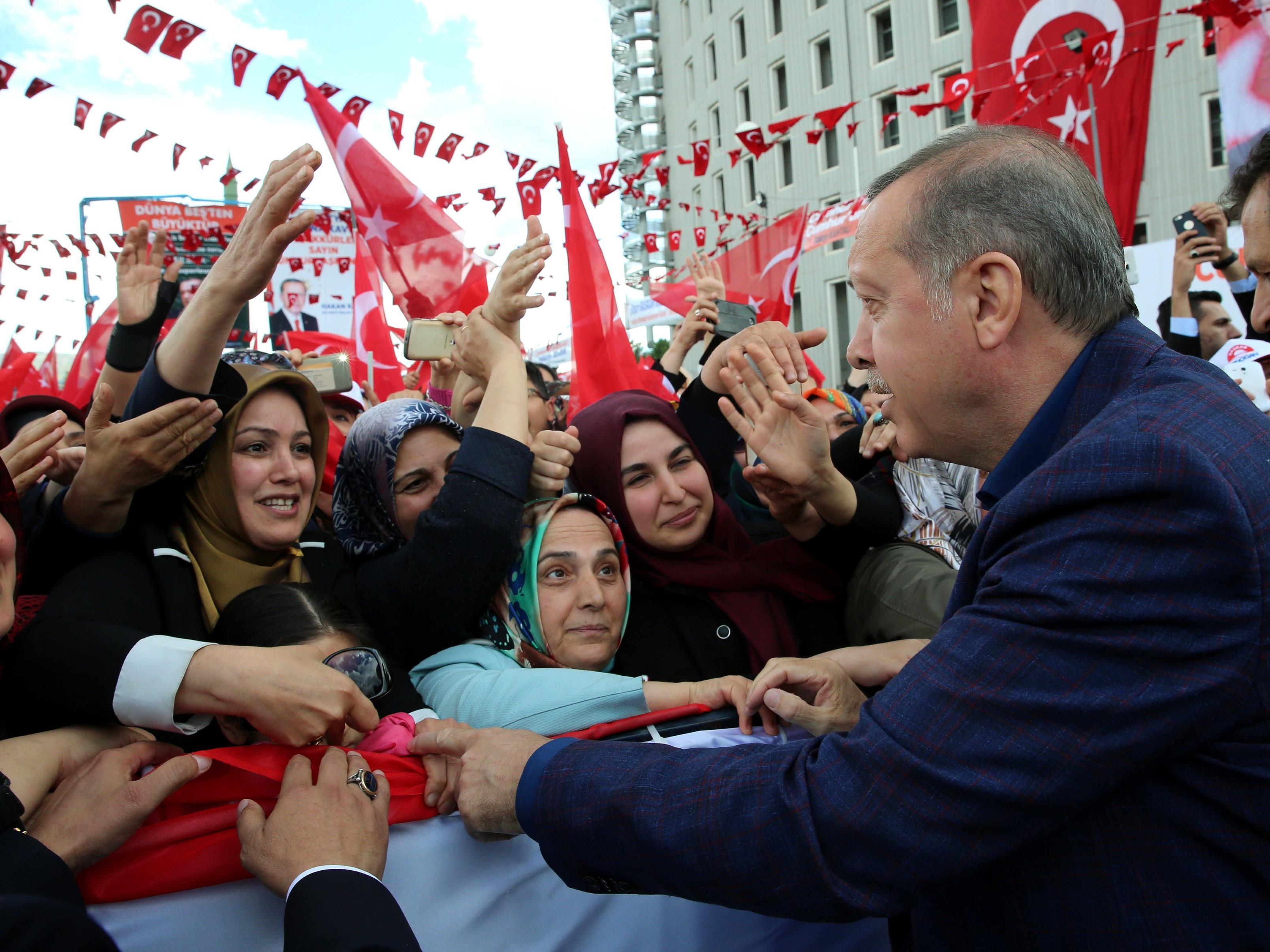 EU-Flüchtlings-Pakt: Erdogan lehnt Änderung der Anti-Terror-Gesetze ab.