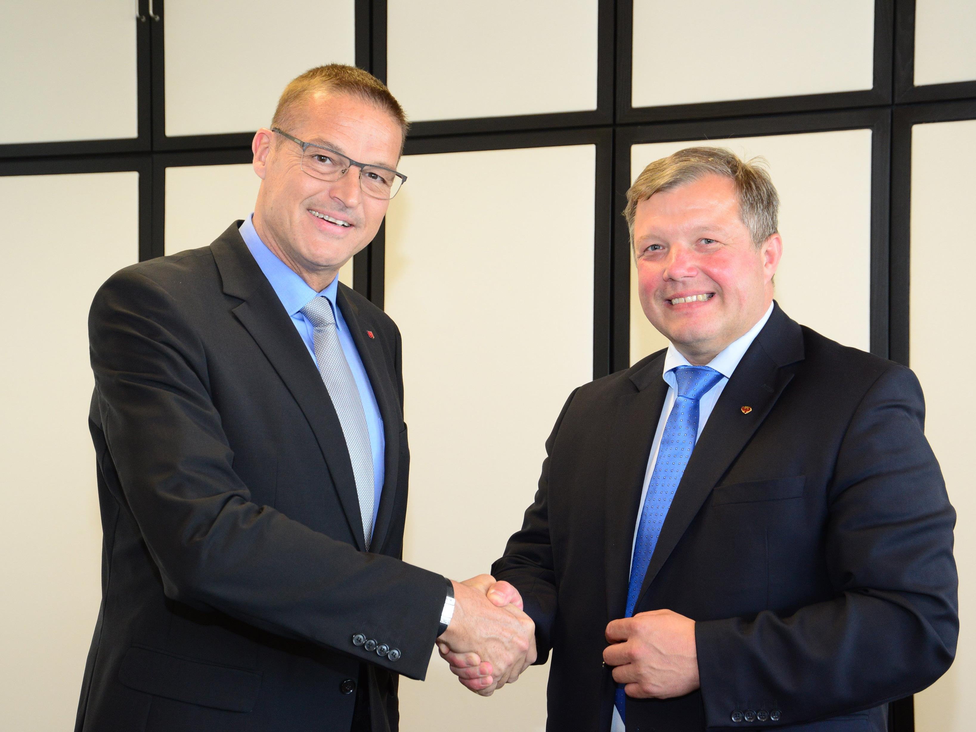 Tirols Gesundheitslandesrat Bernhard Tilg traf sich mit seinem Vorarlberger Amtskollegen Christian Bernhard zu einem Arbeitsgespräch in Bregenz