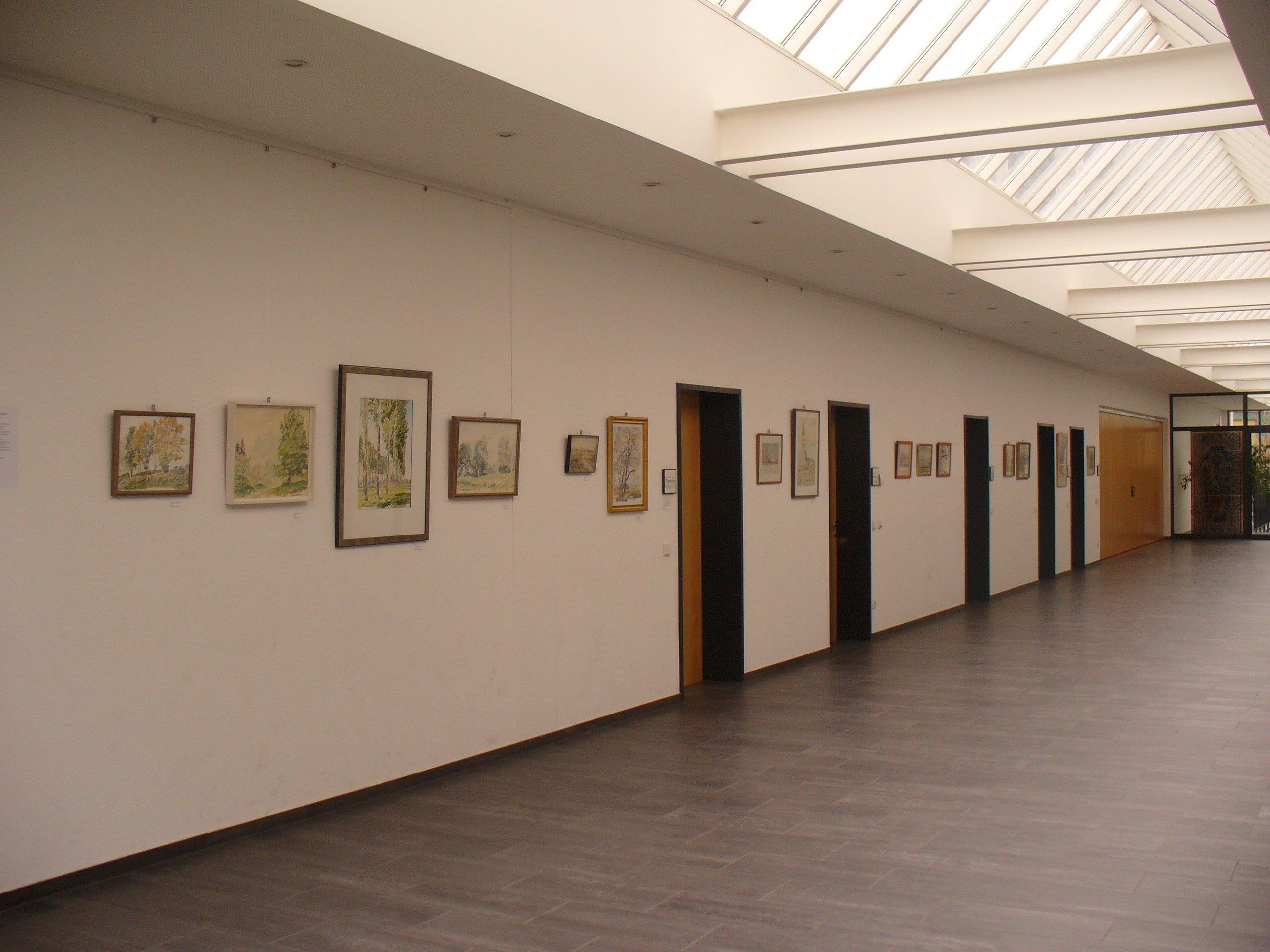Auch im Altacher Pfarrzentrum werden die Kunstwerke von Nuderscher gezeigt