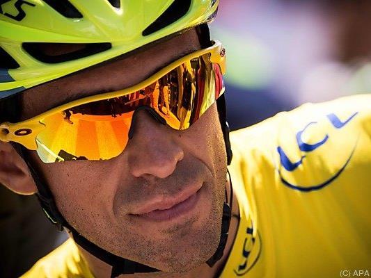 Alberto Contador bleibt im Leader-Trikot