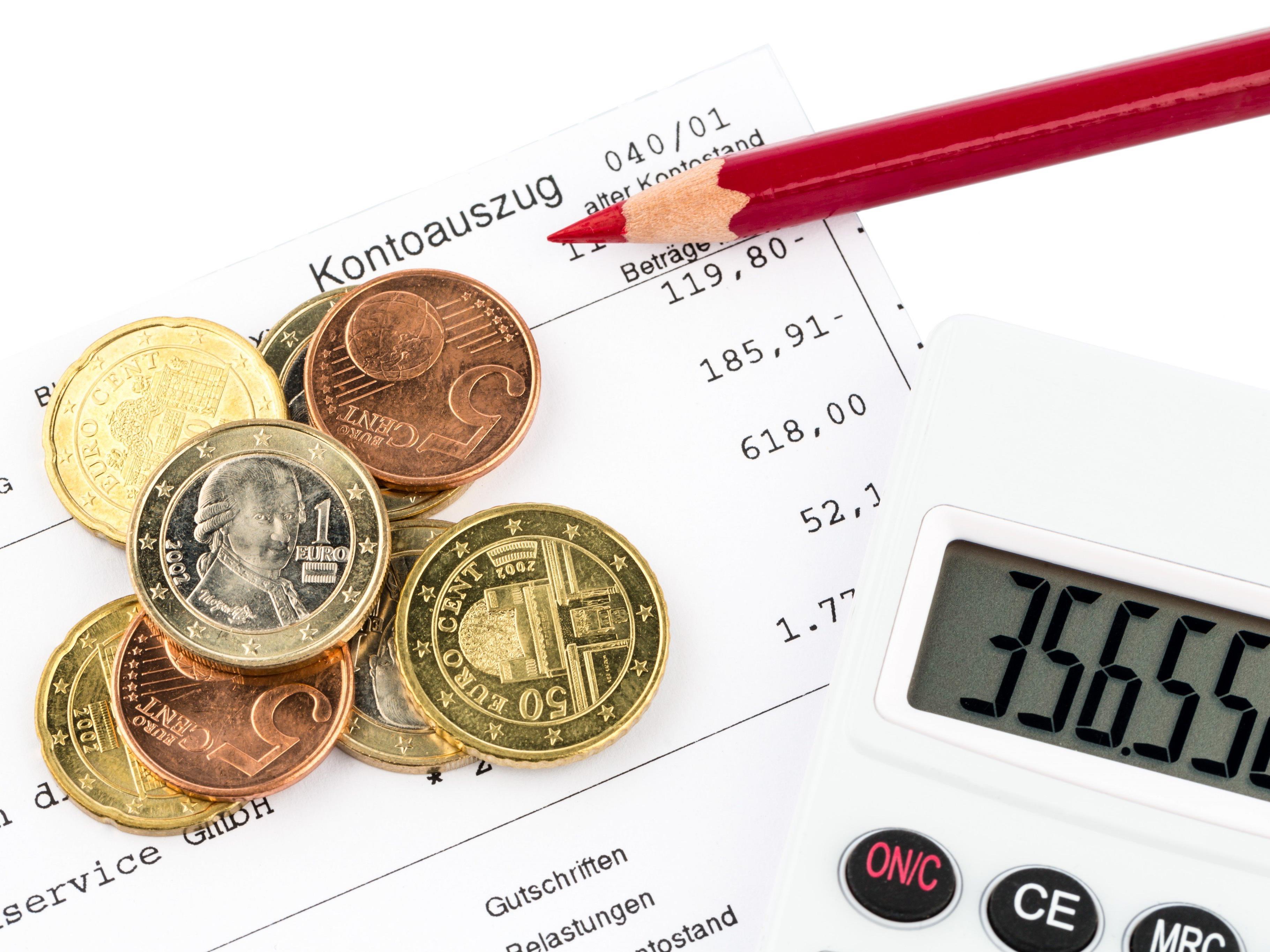 SPÖ, NEOS und FPÖ kritisieren den Rechnungsabschluss der Landesregierung für 2015 obwohl keine neuen Schulden gemacht wurden.