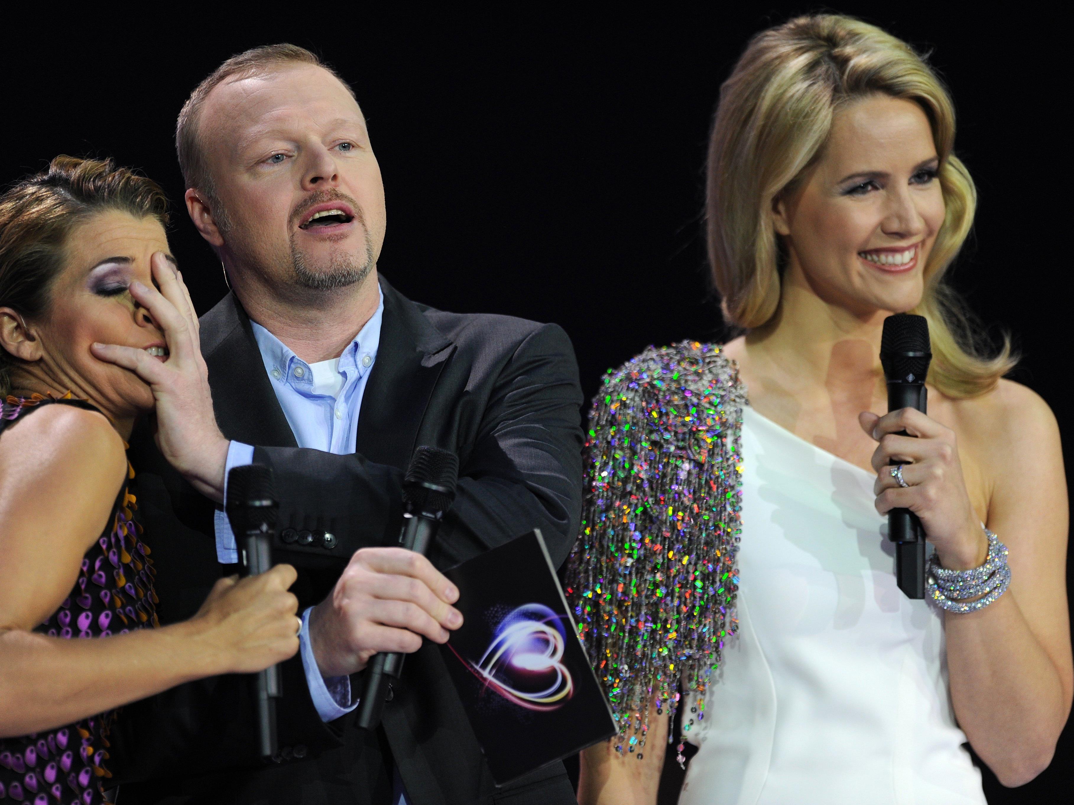 Stefan Raab mit Anke Engelke (links) und Judith Rakers.