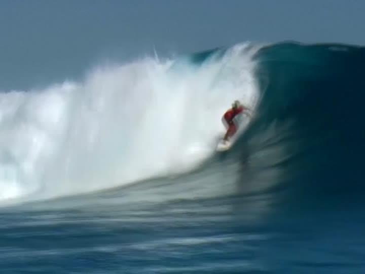Auf diesen Wellen reiten die Surfprofis.