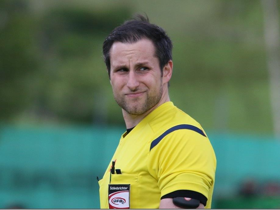 Michael Baumann pfeift in der Erste Liga