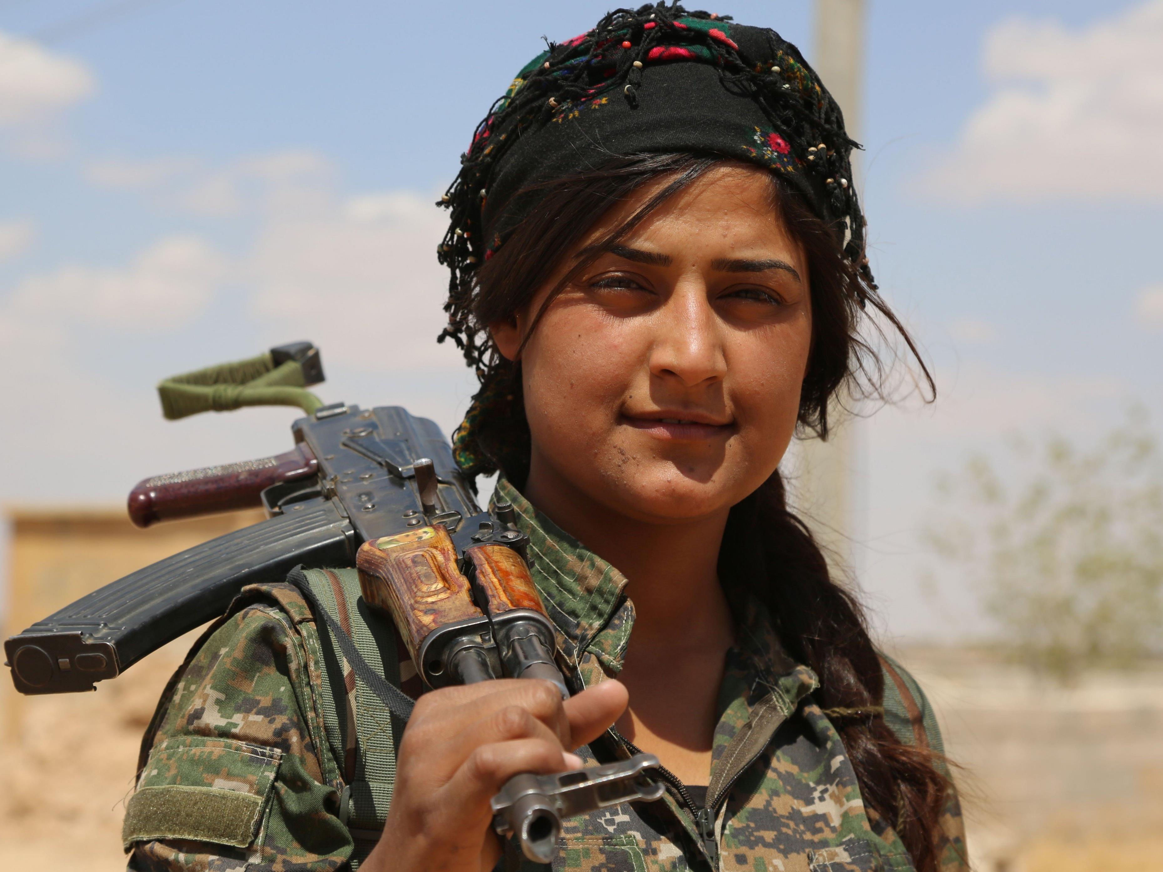 US-Militär unterstützt Kampf um Grenzstadt Manbij mit Beraten und Luftschlägen.
