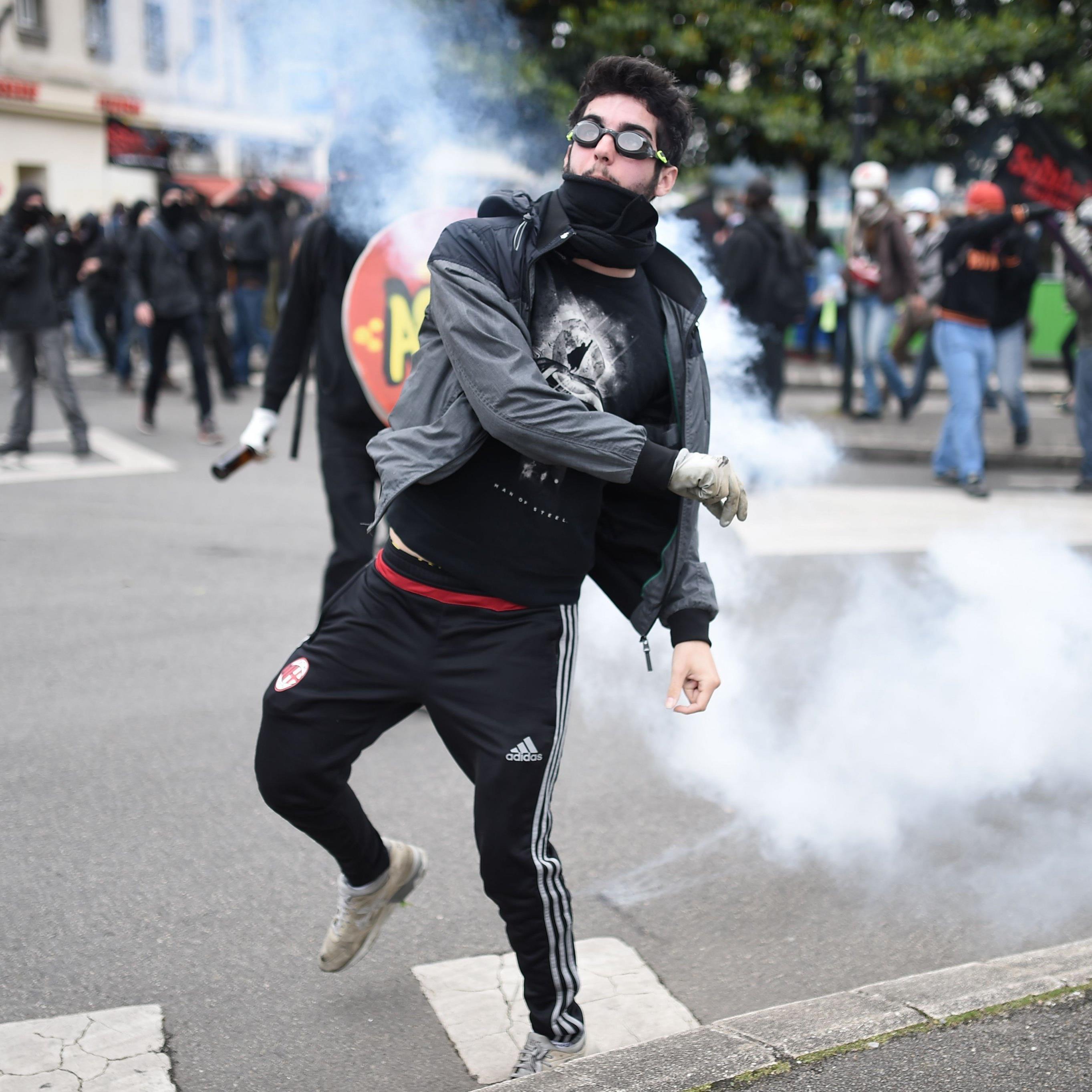 Streiks beherrschen das Land.