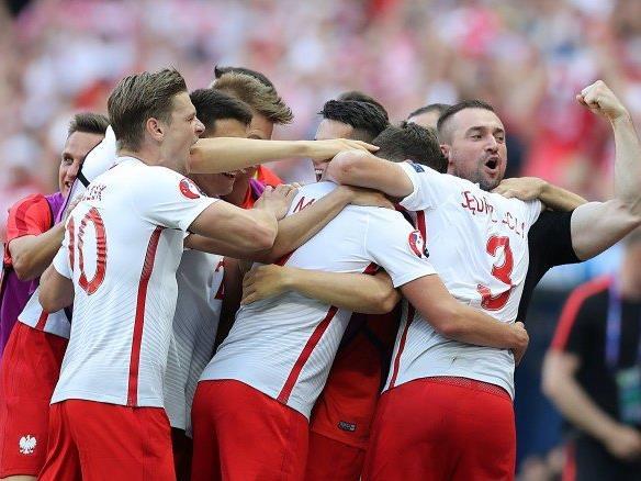 Polen jubelt über den 1:0-Auftakterfolg.