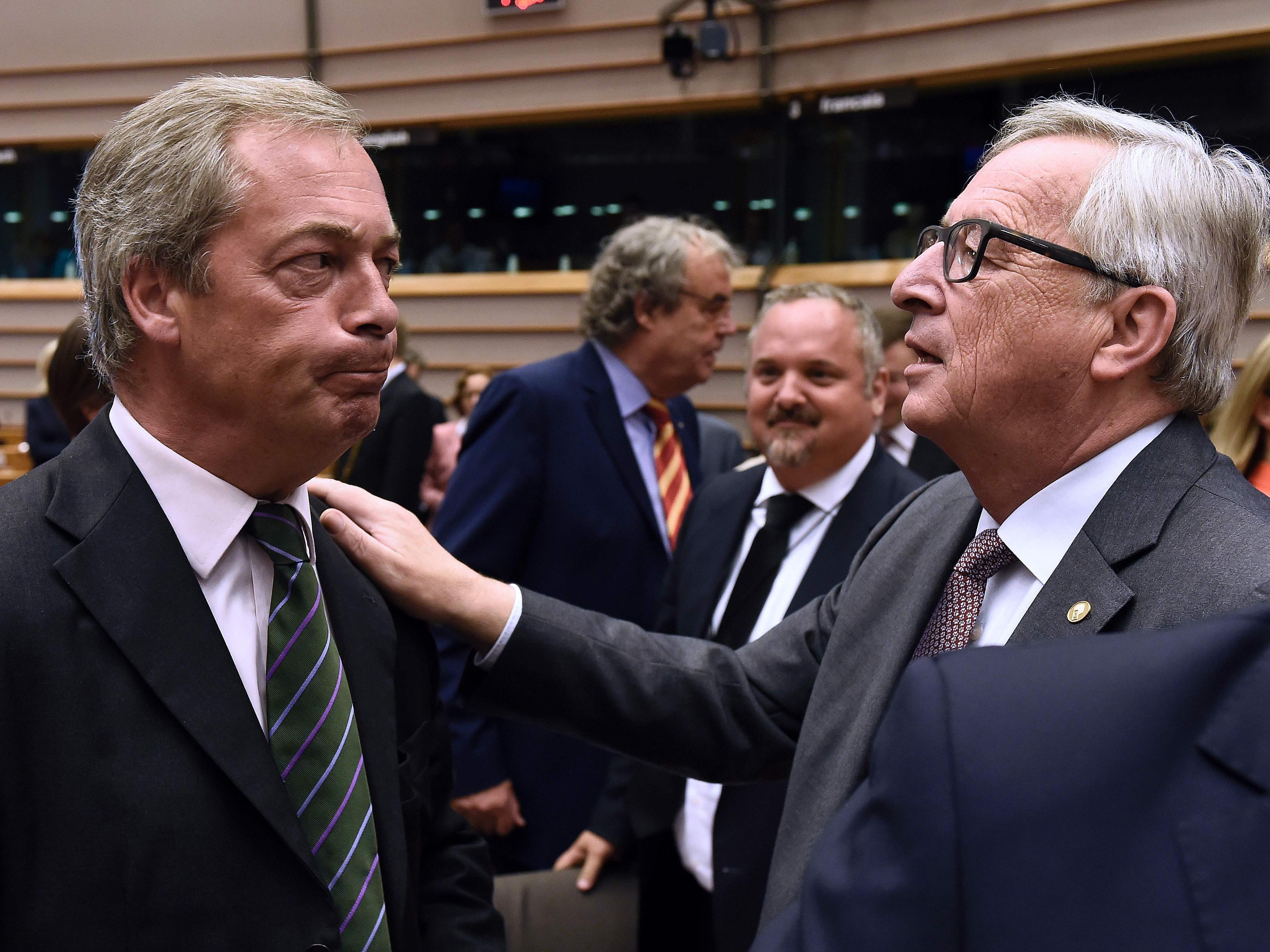 Juncker geht hart mit Farage ins Gericht.