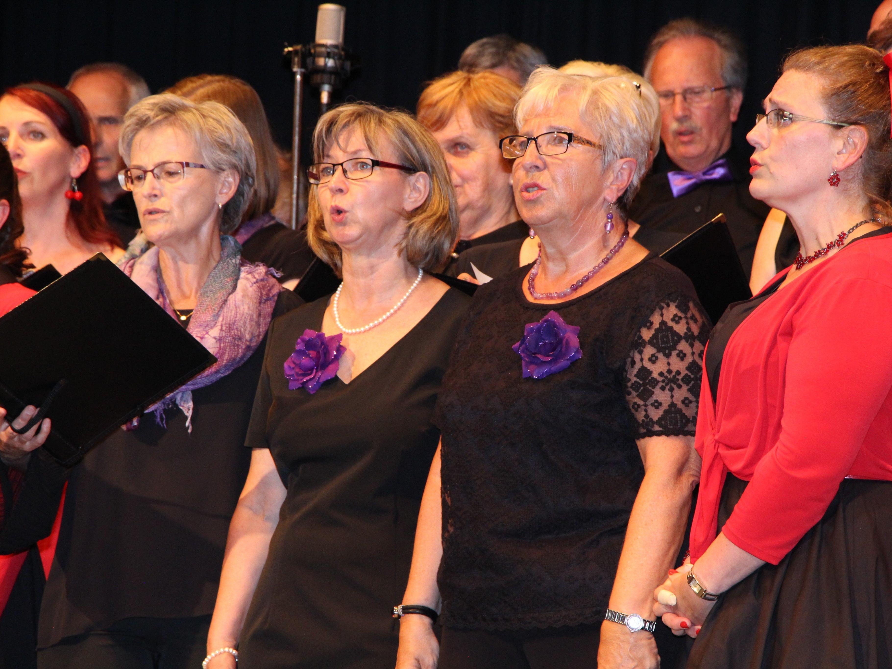 Gelungener Chorauftritt im Adalbert-Welte-Saal