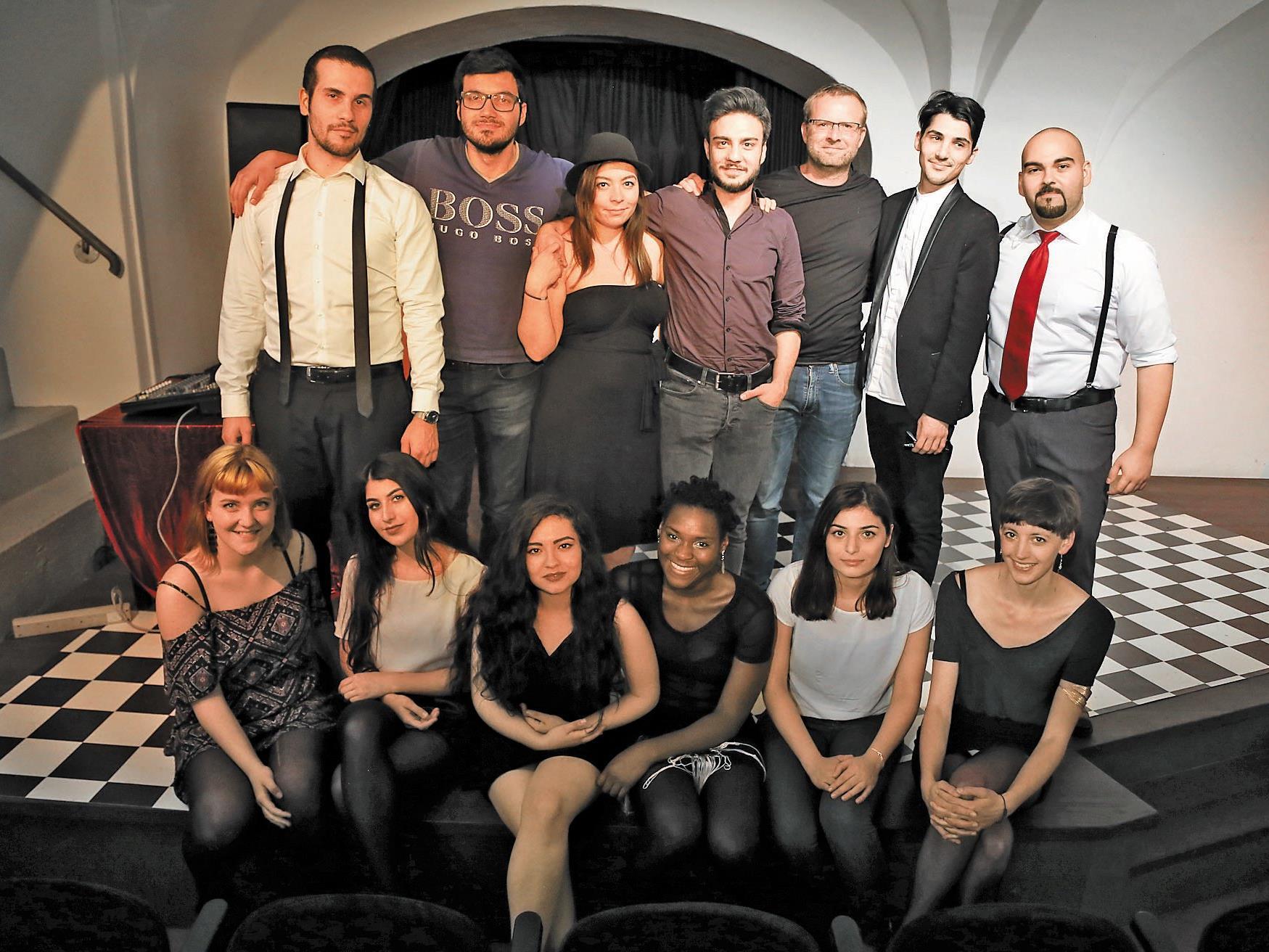 """Das Theaterkollektiv """"MOTIF"""" bewies großes Improvisationstalent auf der Bühne."""