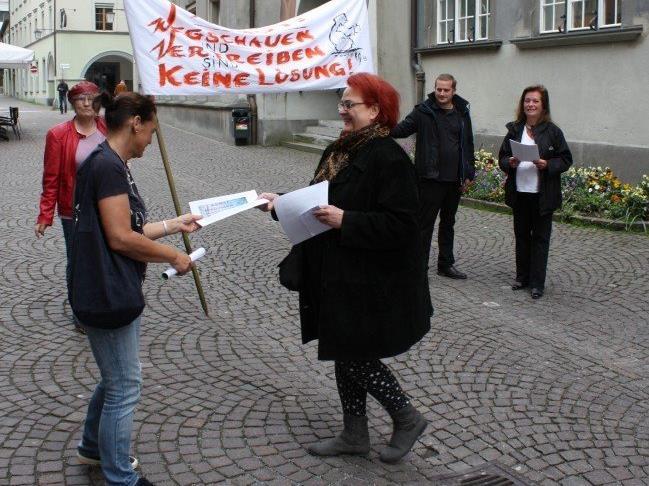 SP-Demo vor der Sitzung gegen das Bettelverbot.