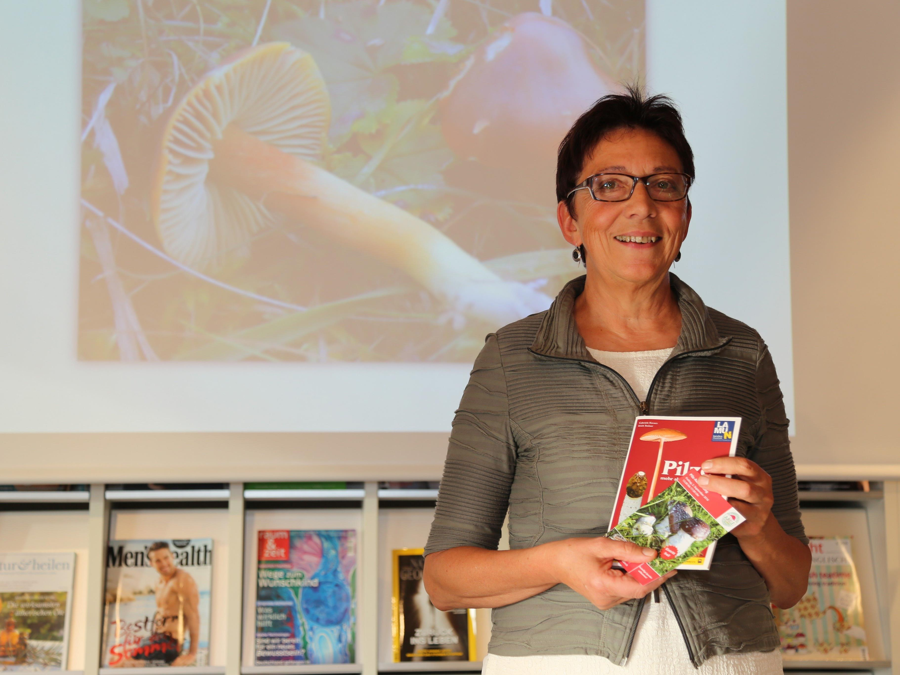 Die Göfnerin Uschi Österle ist seit 2009 Obfrau des Pilzkundlichen Vereins Vorarlberg.