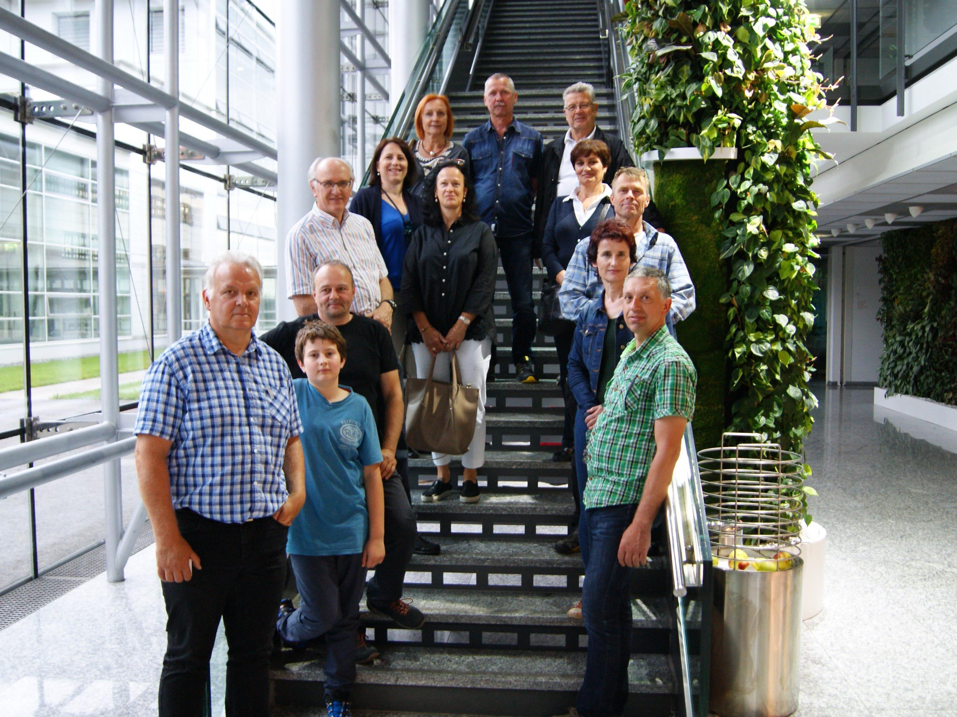 Mitglieder der OG Feldkirch bei der Betriebsbesichtigung von Russmedia