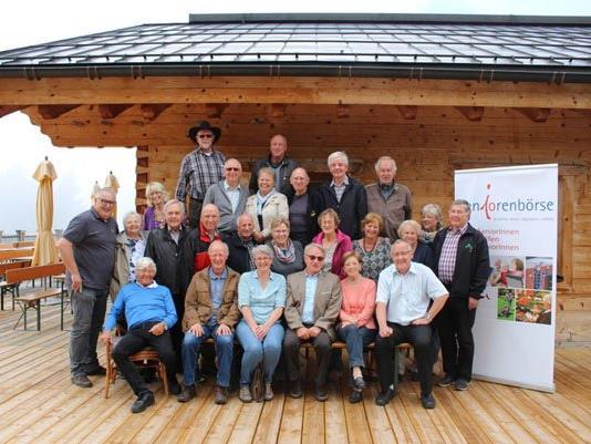 Das geladene Team der Seniorenbörse war zum Käsknöpfleessen auf den Muttersberg.