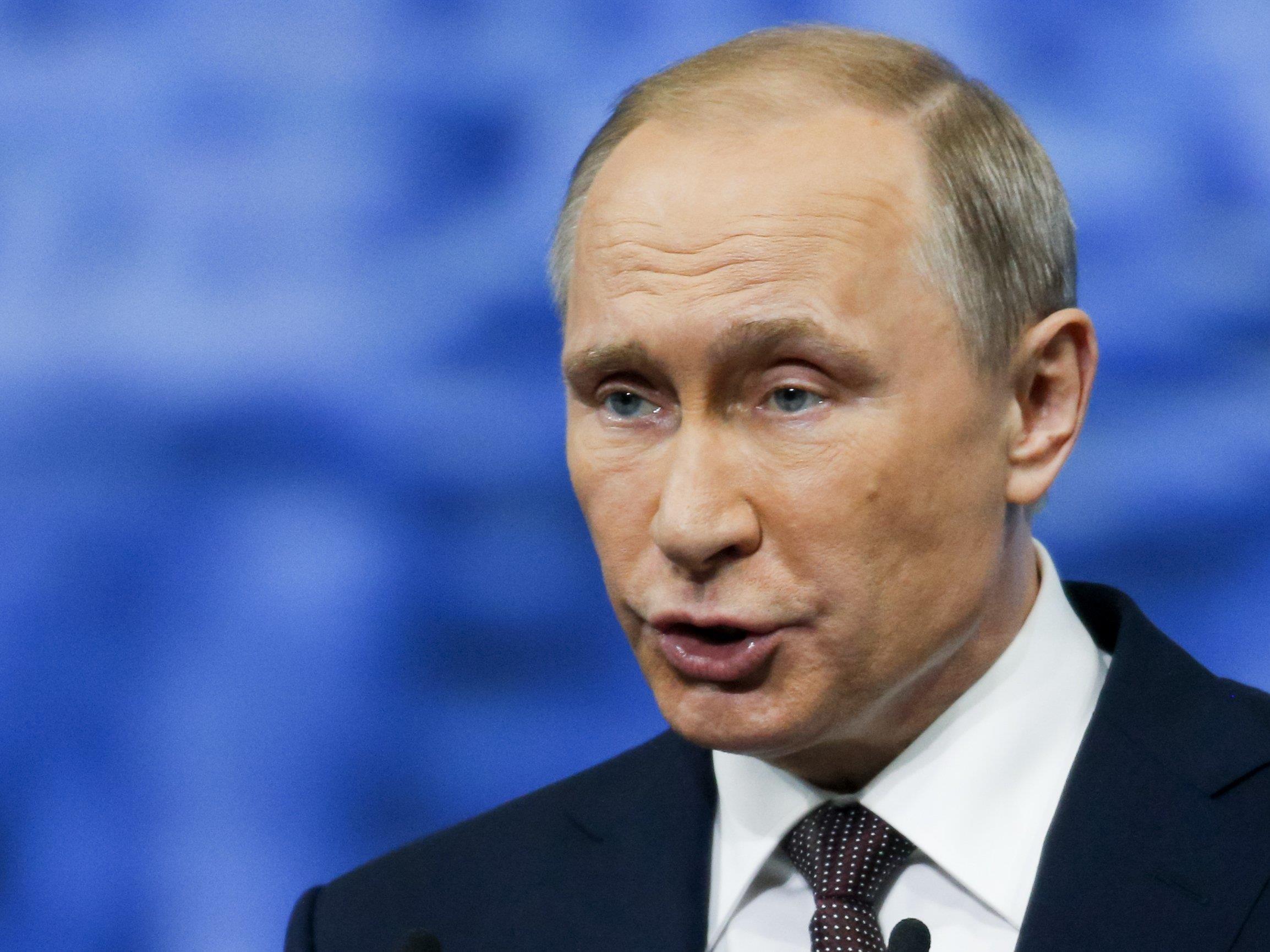 Russlands Präsident Wladimir Putin bestreitet die Vorwürfe ab.
