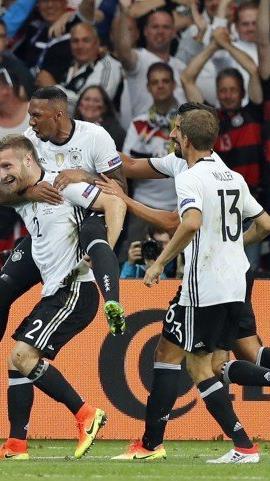 Hummels-Ersatz Mustafi sorgte für den Treffer zum 1:0.