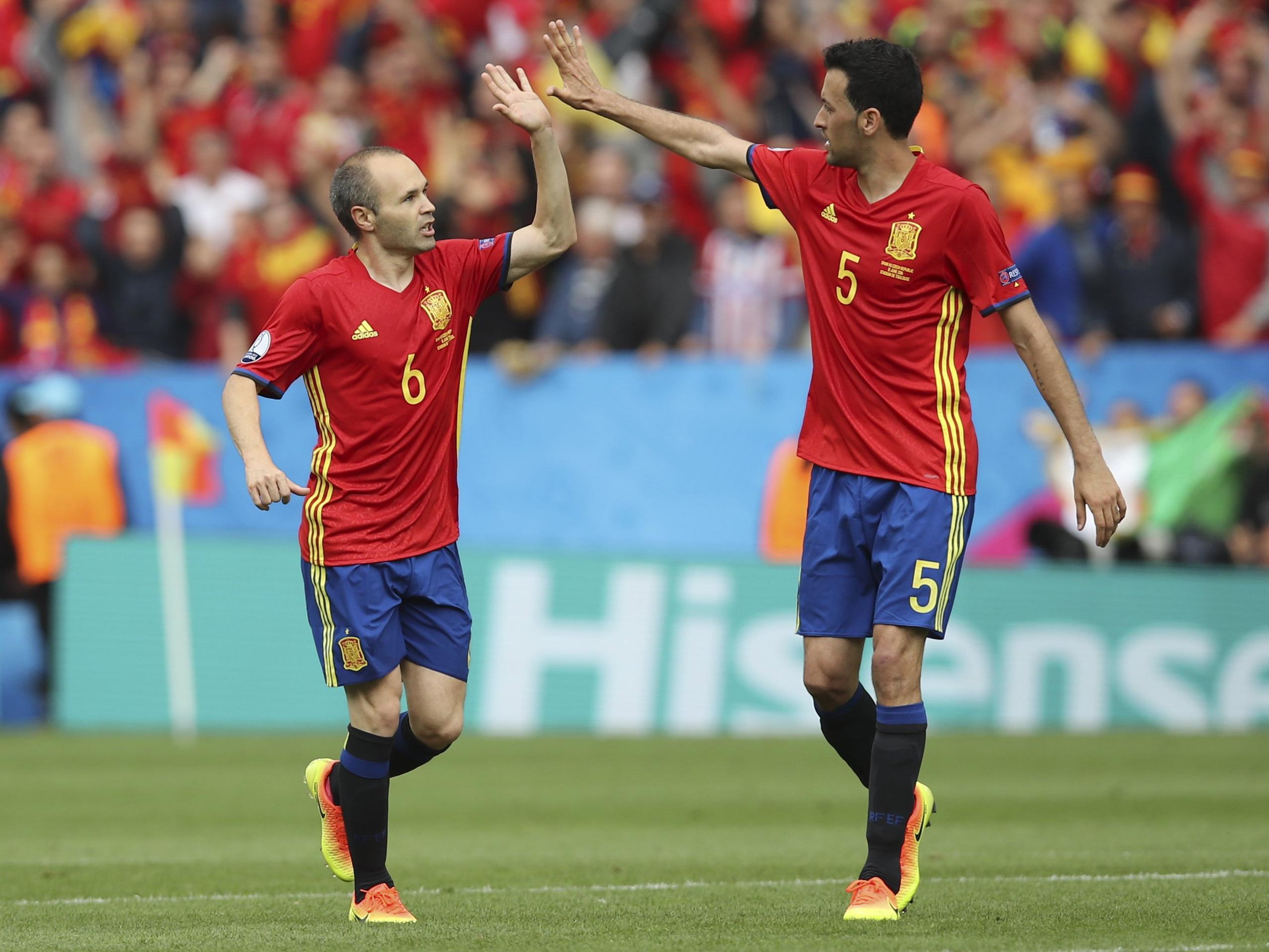 Spanien trifft in Runde zwei der EM-Gruppe D auf die Türkei.