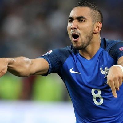 Frankreich hat sich auch durch die Tore von Dimitri Payet in der Gruppe A durchgesetzt.