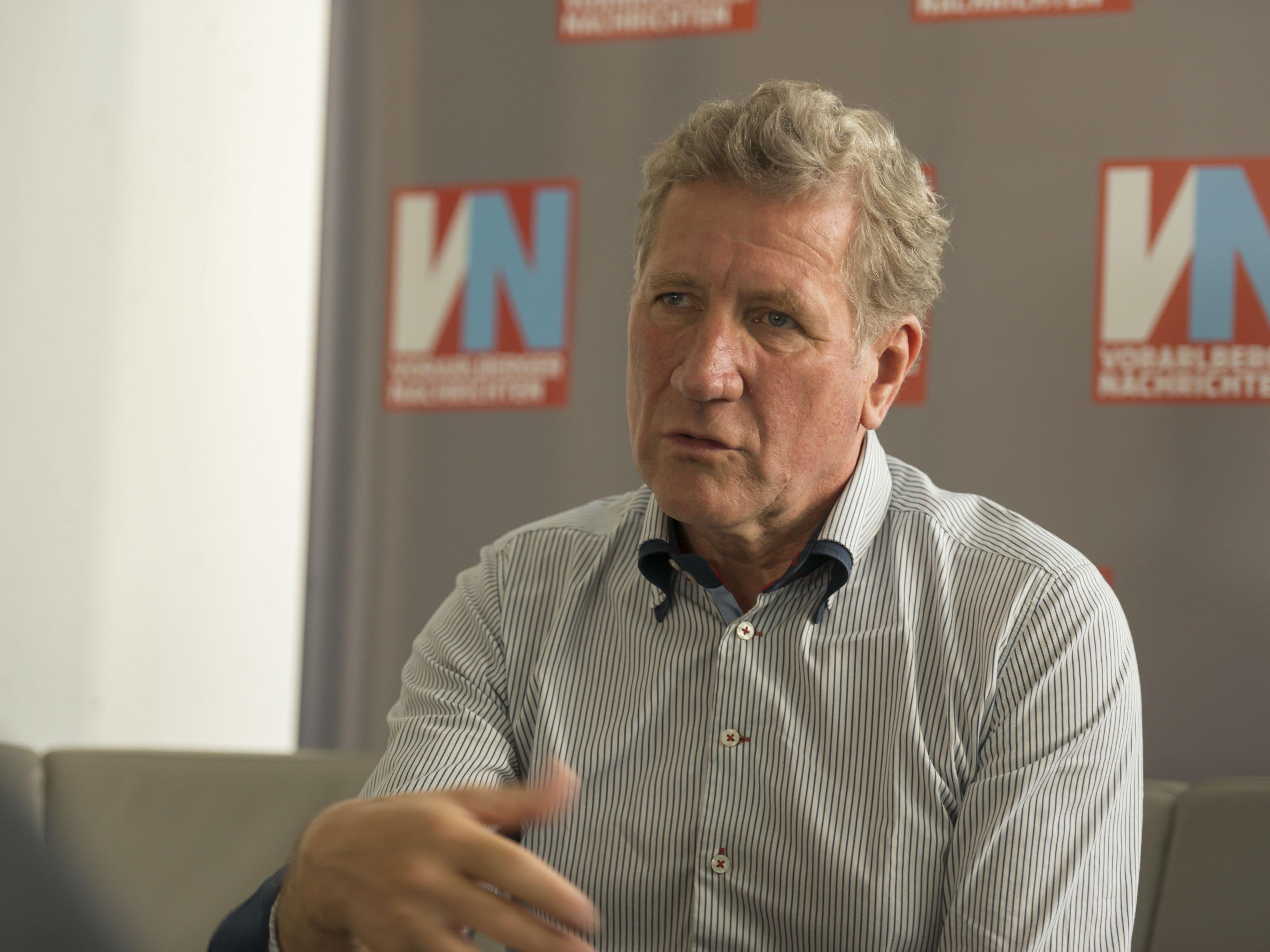 Agrarlandesrat Erich Schwärzler sagt den Vorarlberger Milchbauern Unterstützung vom Land zu.