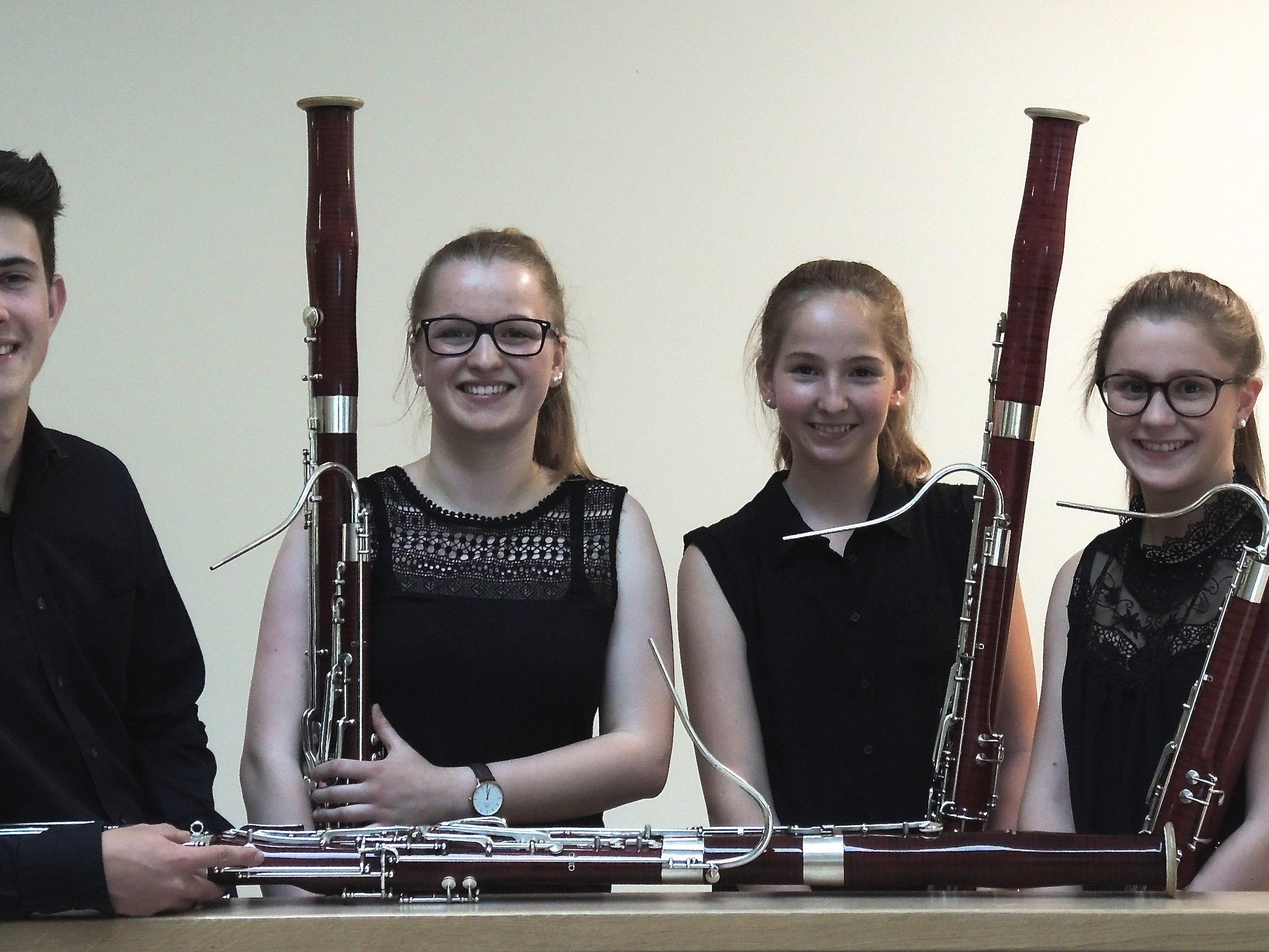 Talentierte Fagottisten: Philipp Wolf, Anja Niederwolfsgruber, Raphaela Robosch und Johanna Bilgeri.