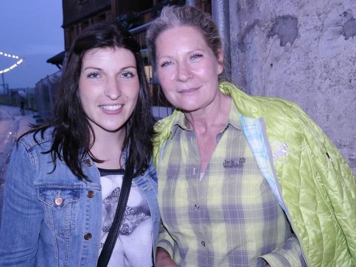 Annemarie Kaufmann mit Tochter Marylin waren auch beim Straßenfest Großdorf