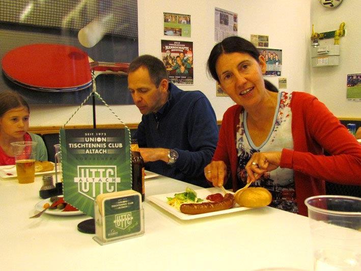 (v.l.n.r.) Familie Maja, Martin & Ines Dünser genossen diesen besonderen Abend