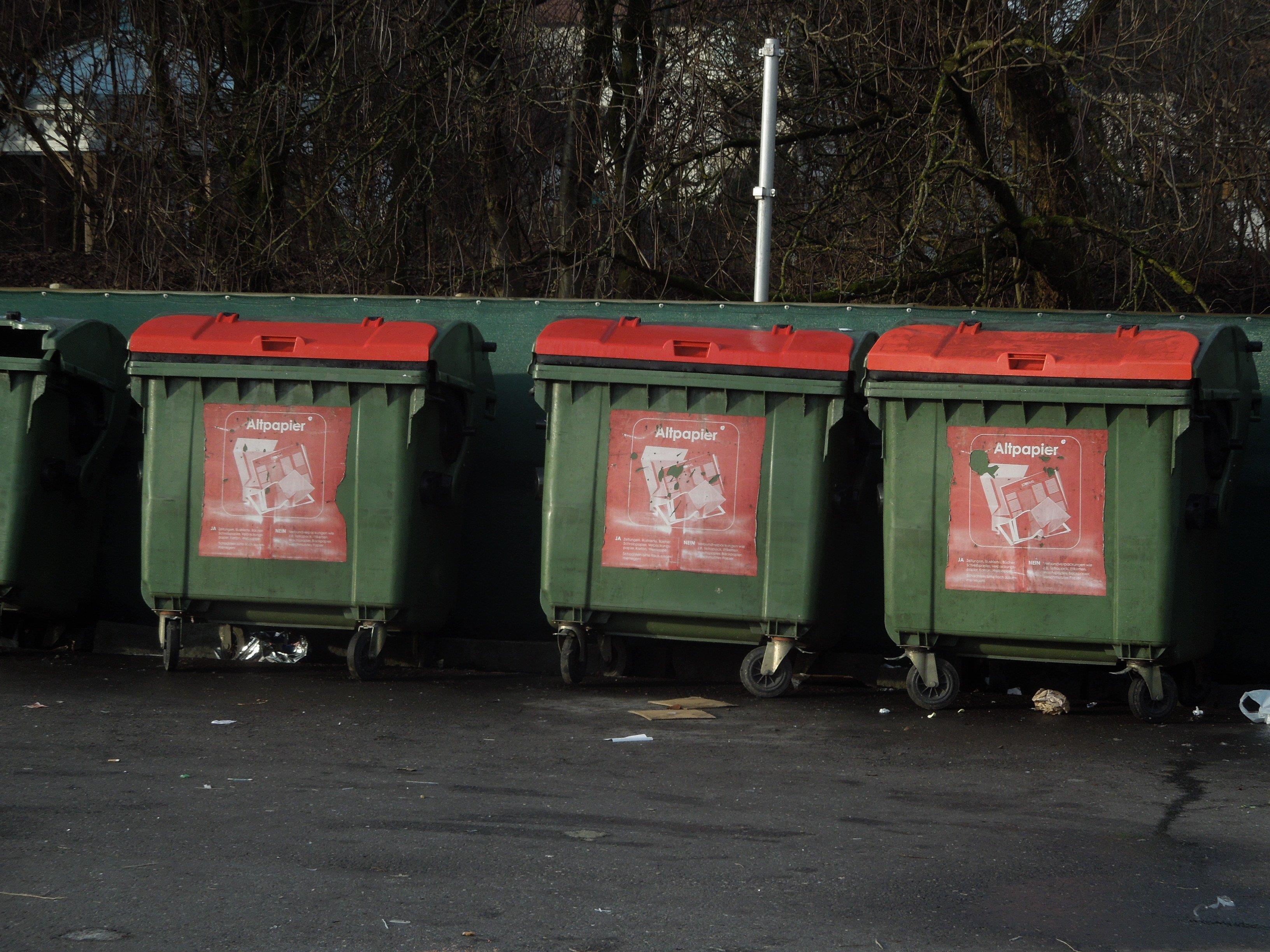 Papiercontainer in Feldkircher Wohnanlagen werden wöchentlich geleert.