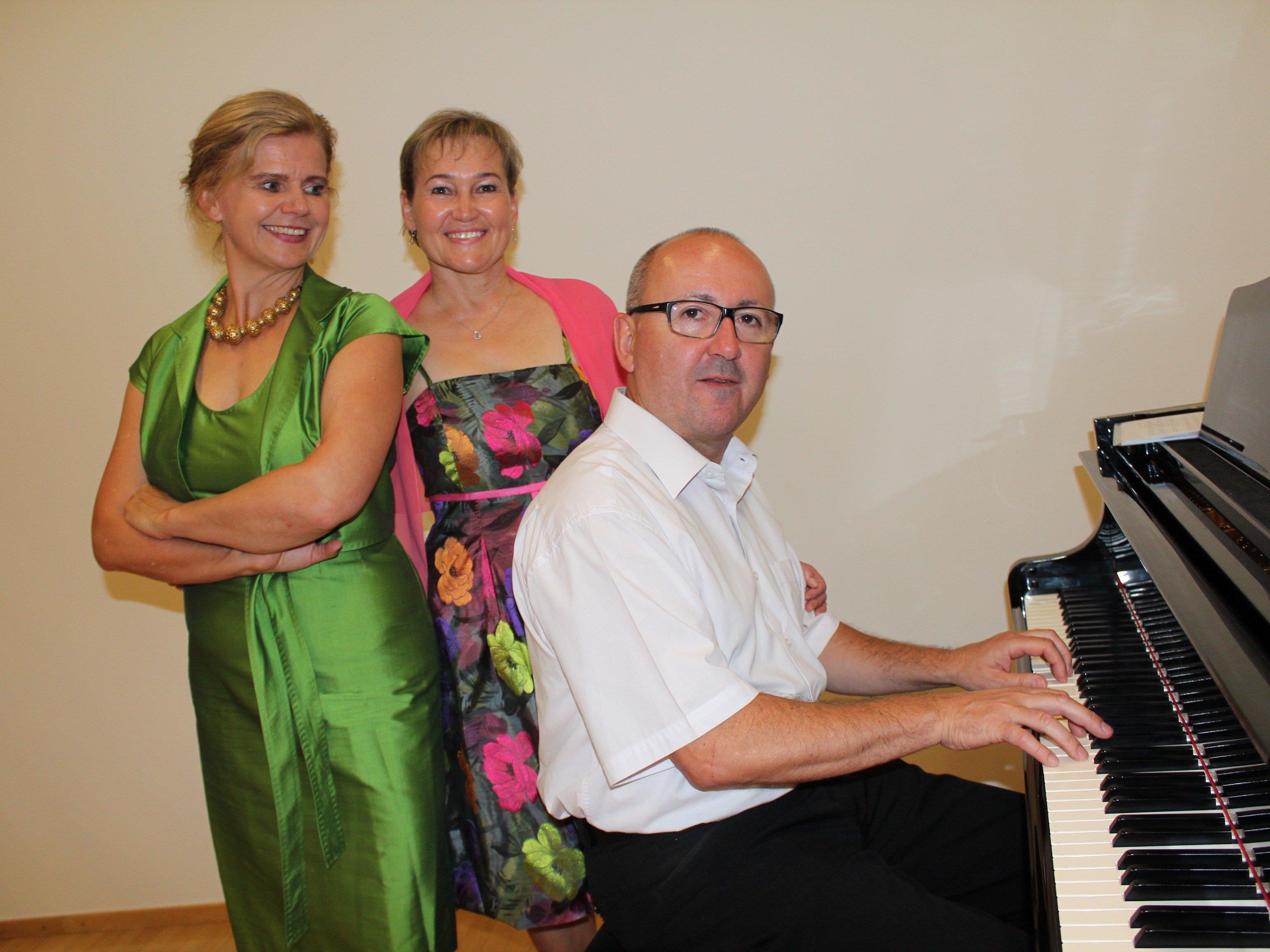 Renate Bauer, Birgit Plankel und Michael Wocher.