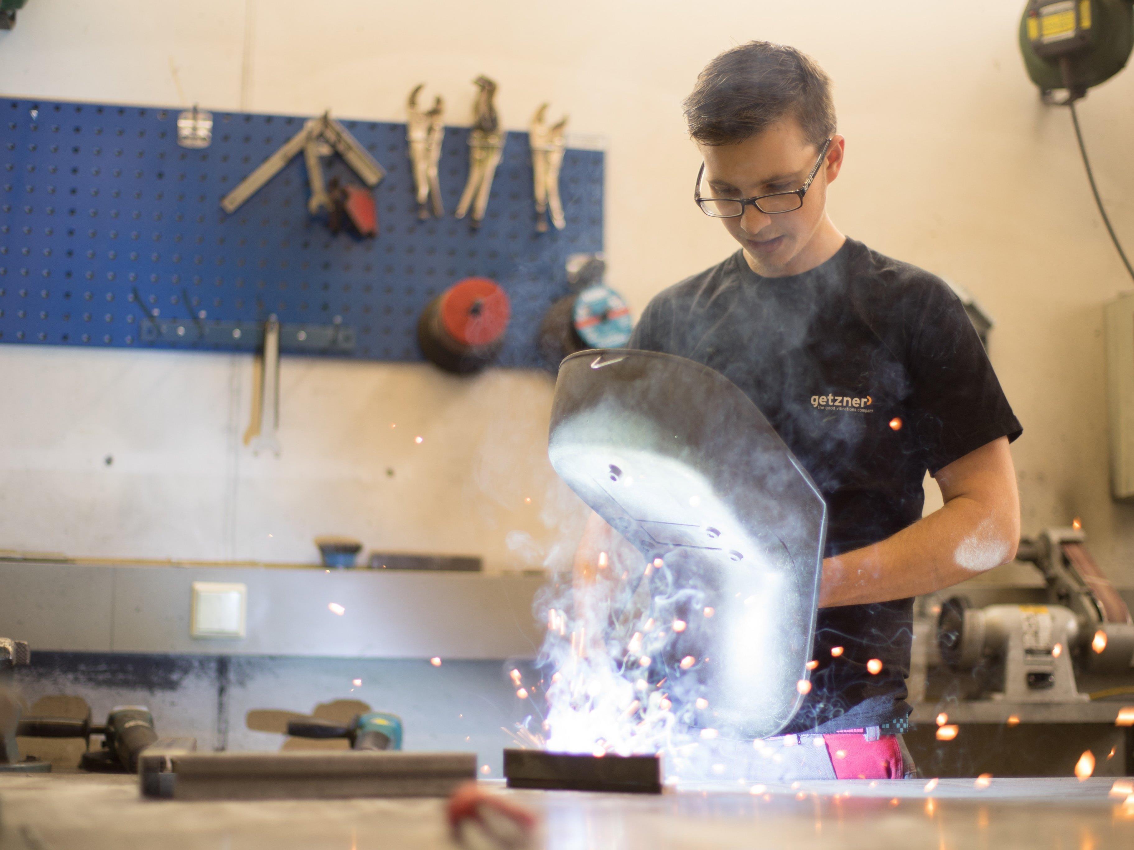Neue Schweimaschinen für die Landesberfsschule Bregenz 1. Das Land ivestiert in weiter in die Ausbildung von Fachkräften.