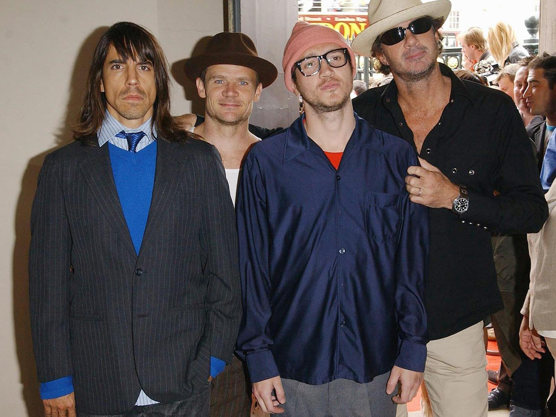 Die Band musste auf einem Foto von Metallica unterschreiben