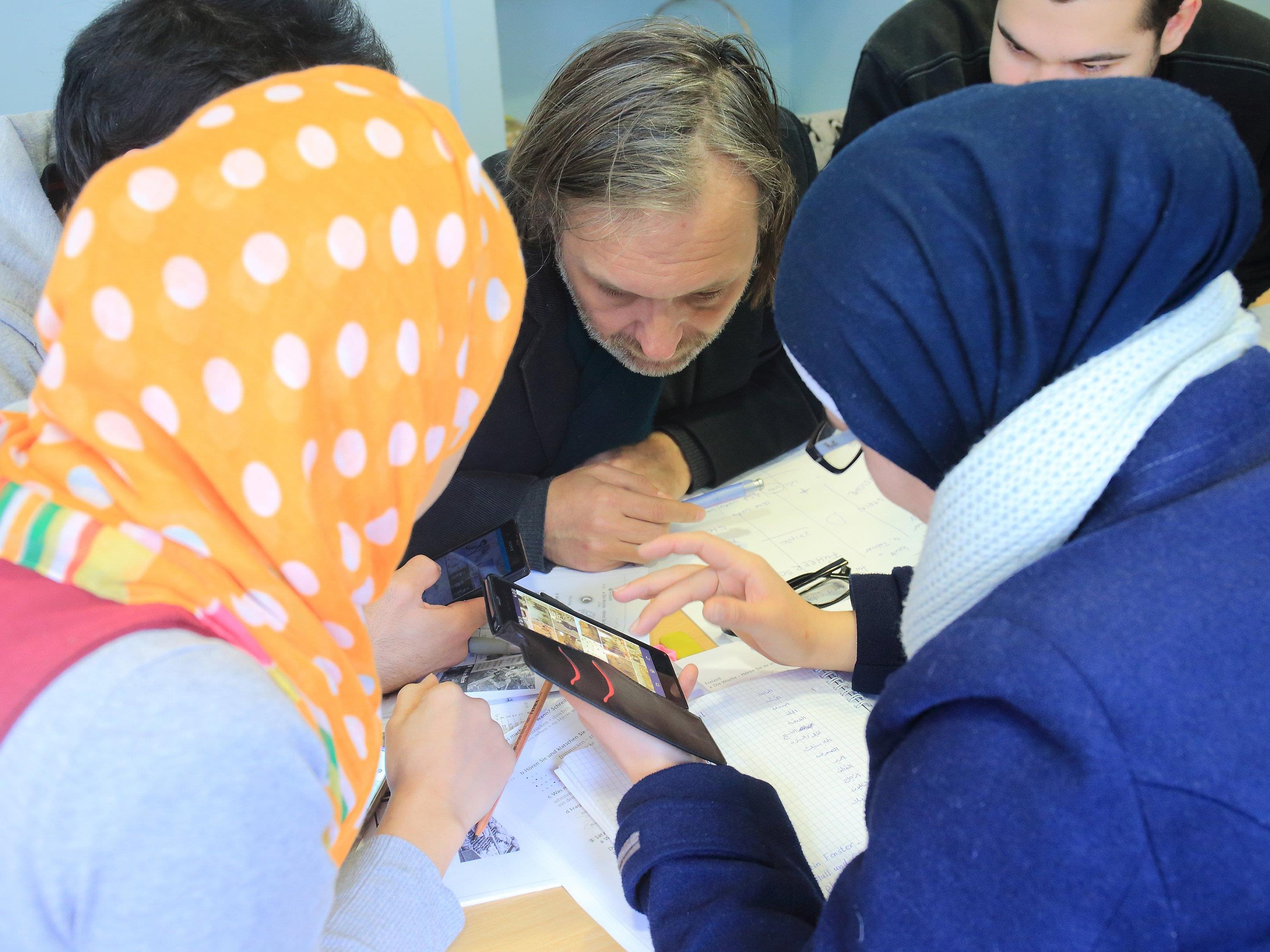Neben der freiwilligen Arbeit in sozialen Einrichtungen sind der besuch von verschiedenen Kursen integraler Bestandteil des Integrationsjahres.